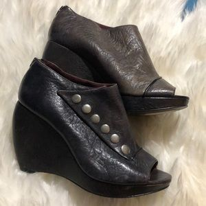 Gently used size 7 Botkier wedge